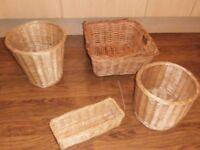 4 wicker baskets different sizes