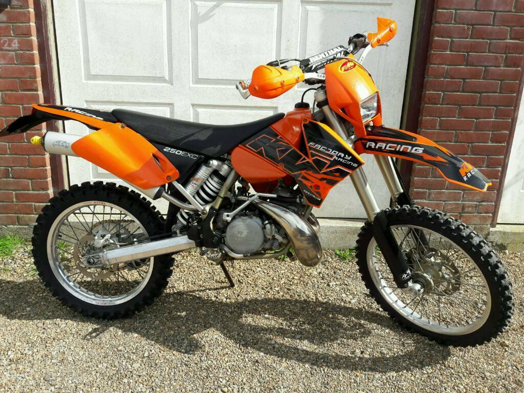 ktm exc 250 2 stroke enduro bike road legal motocross 125. Black Bedroom Furniture Sets. Home Design Ideas