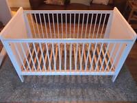 Mamas and Papas Haxby Cot / Toddler bed