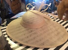 Neutral/Cream saucer special occasion hat