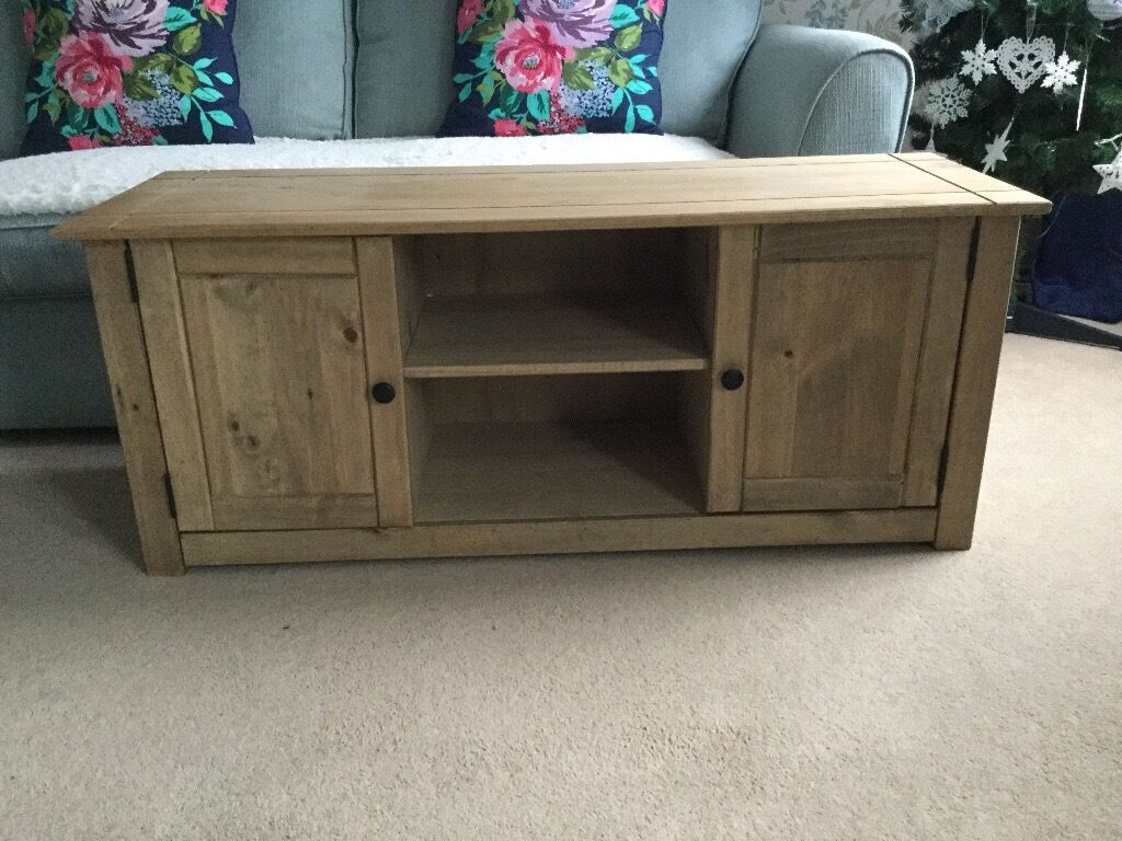 """Mexican pine tv unitin Derriford, DevonGumtree - Mexican pine tv unit in good condition 47"""" wide, 16"""" deep, 20"""" high collection Southway PL6 £45. Delivery in Plymouth only available"""