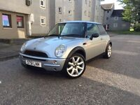 SUPERB MINI ONE-LOW GENUINE MILEAGE-FULL SERVICE HISTORY-LONG MOT-IDEAL FIRST OR CITY CAR-BMW BRAND