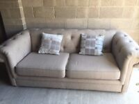 Beautiful Chesterfield style 3 seater sofa - Almost new
