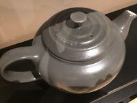 Le Creuset teapot - grey £5