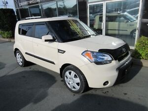 2010 Kia Soul 2U AUTO WITH ONLY 90K