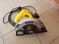 Dewalt DWE560K Compact Circular Saw 184mm in Kitbox (65mm DOC) 240V