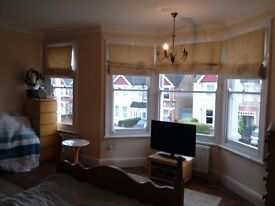 One Extra Large Double and Double Bedroom for Rent in W13 Oxx.