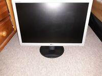LG Flatron W2242S monitor