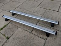 Thule WingBar Roof Bars (961) and Rapid System inc. Fitting Kit