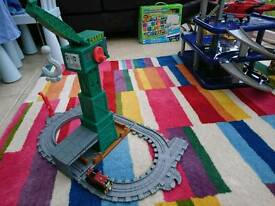 Thomas take and play Cranky playset