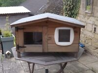 Cat House - Outdoor hutch/kennel/pet house