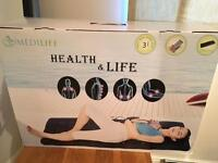 Electrical massage mat