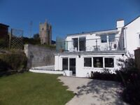 Spacious contemporary cottage close to the beach winter let Phillack Hayle