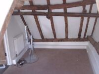 Double bedroom on offer in flat share, rent 250 per month.