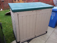 Keter Store It Out Max - Garden Storage - Brand new few small cracks