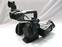 CANON C100 CAMCORDER OUTFIT DAF DUAL AUTO-FOCUS INC ZACUTO Z-FINDER (PAL)