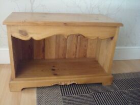 UNIT IN SOLID PINE WOOD AS NEW