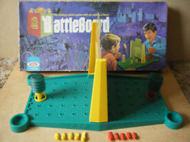 Vintage BATTLEBOARD strategy attack board game, by Ideal 1972. Complete
