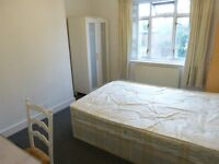 DOUBLE ROOM TO LET IN GOLDERS GREEN INCLUDING ALL BILLS - NO AGENCY FEES