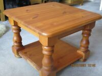 EXCELLENT QUALITY SQUARE PINE COFFEE TABLE WITH MAGAZINE SHELF AND PROTECTIVE REMOVABLE GLASS TOP