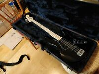 2016 Fender American Standard Jazz w'Hard Case (mint)