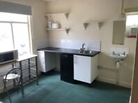 Lovely double room with mini kitchen and shower