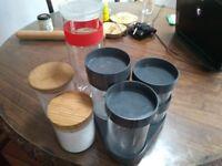 7 cylindrical food storage units