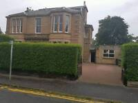 Parking space ìn grounds of large villa in Merchiston Place close to Bruntsfield Place £100 pm