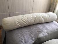 Bolster pillow/cushion
