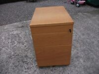 LOVELY SOLID WOODEN QUALITY 3 x DRAWER FILING CABINET WITH LOCKS AND KEY