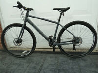 Pinnicle Lithium 2 Hybrid Bike just like new with Disc brakes.