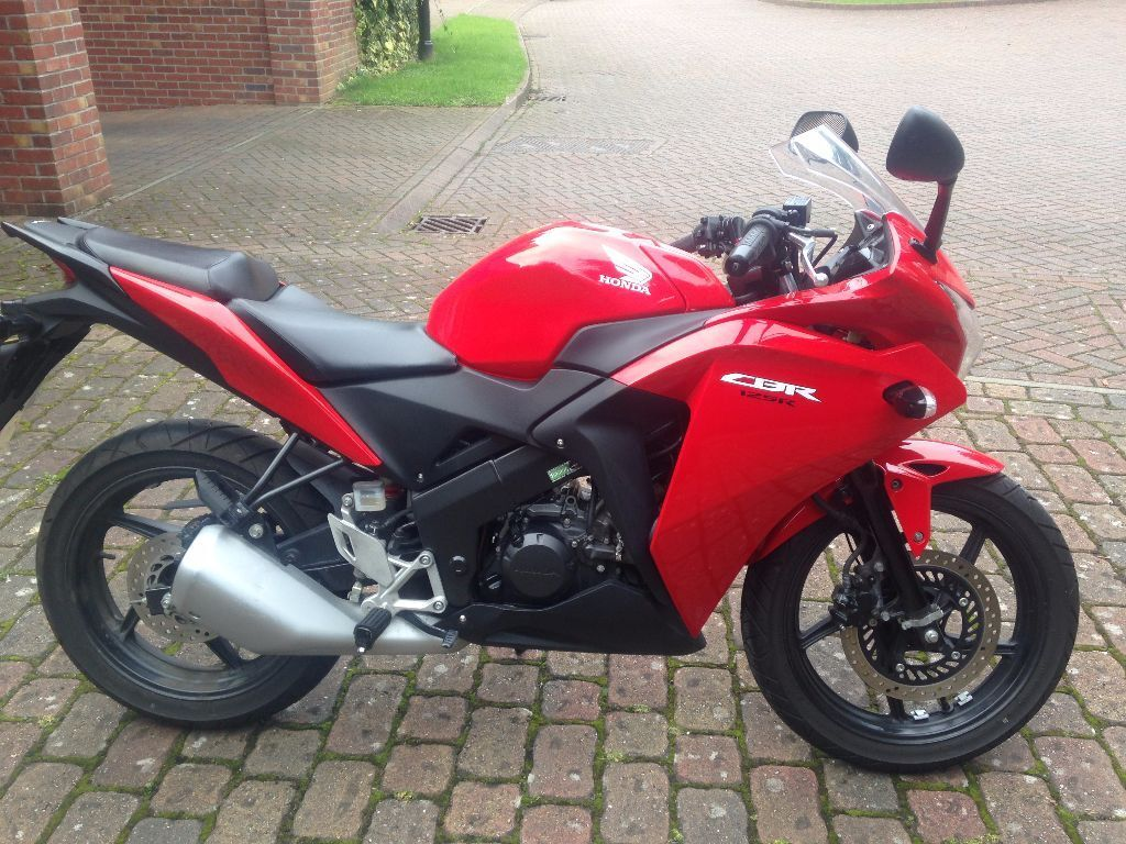 2015 honda cbr 125 learner legal only 2650 ono in coventry west midlands gumtree. Black Bedroom Furniture Sets. Home Design Ideas