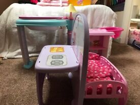 Plastic folding baby station