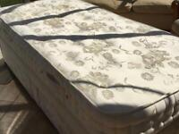 3 foot divan bed with 2 drawers