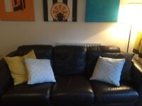 Beautiful leather sofa - very good condition