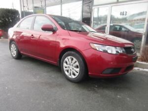 2010 Kia Forte 5-SPEED SEDAN