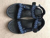 Karrimor size 8 ladies walking sandals -as new