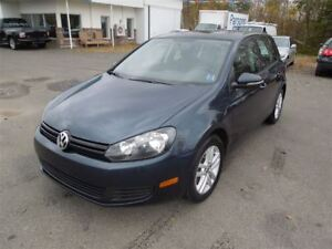 2011 Volkswagen Golf *Comfortline* 5-speed*