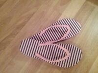 Jack Wills flip flops size 6
