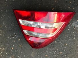 05 MERCEDES C CLASS 4 DOOR BACK LIGHT BOTH SIDE AVALIABLE