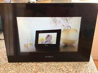 "Sony Digital Photo Frame 7"""