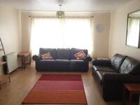 Room in 3 bedroom flat in Townhead