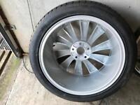 V W Wheel & Tyre