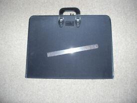 Jigsaw carrying folder