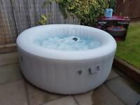 Lay z spa hot tub excellent condition 2 month old