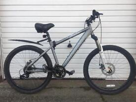 Bicycle 🚲 costs over £400 Excellent condition for a quick sale £150 ono