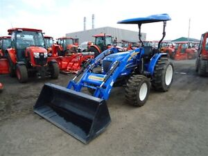 2012 New Holland BOOMER 40 tracteur LOADER