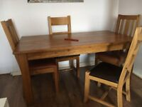 SOLID OAK TABLE + 4 CHAIRS! GREAT BARGAIN