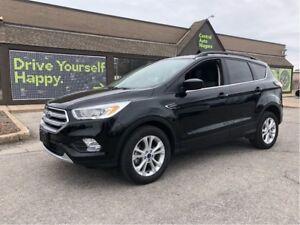 2017 Ford Escape SE / AWD / SUNROOF / BACK UP CAMERA