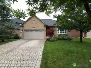 $999,000 - Bungalow for sale in Oakville